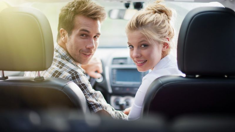 How can married couples find the cheapest car insurance